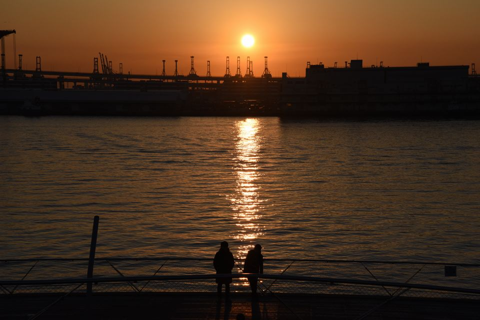 あけましておめでとうございます!大さん橋で朝日を撮影