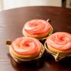 アップル&ローゼスの綺麗な薔薇のリンゴタルトが届いた。プレゼントに最適かも?!