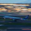 久しぶりに飛行機を撮って来た!70-200mm f/4を持って羽田空港!流し撮りは難しい